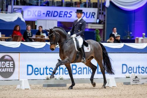 Benjamin Werndl Gewinnt Grand Prix Special Und Liebt Die